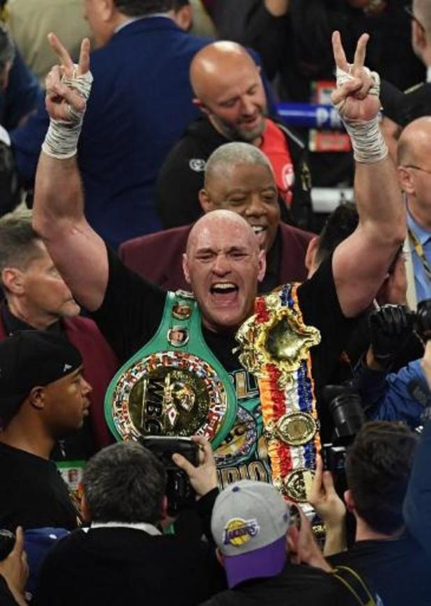 Engelse tabloid beschuldigt Tyson Fury van fraude bij antidopingcontrole