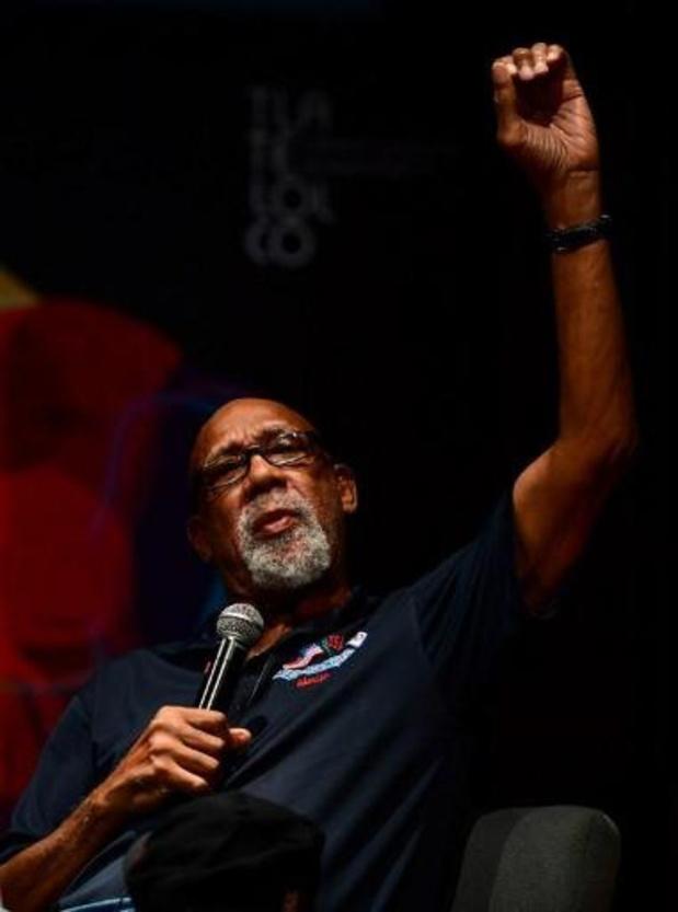 Violences policières contre les Afro-Américains - Tommie Smith, qui avait levé le poing aux JO de 1968, soutient les sportifs qui protestent