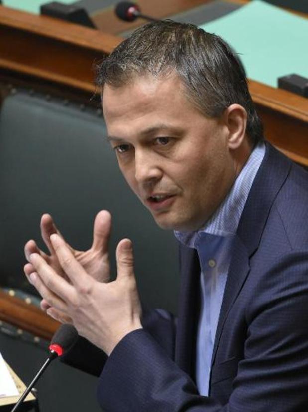 """""""Geen versnelling in dossier salariswagens"""", zeggen Open Vld en CD&V"""