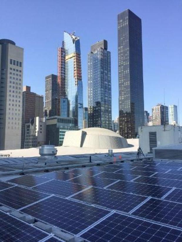 """Indiase premier huldigt """"Gandhi Solar Park"""" in op dak VN-hoofdzetel"""