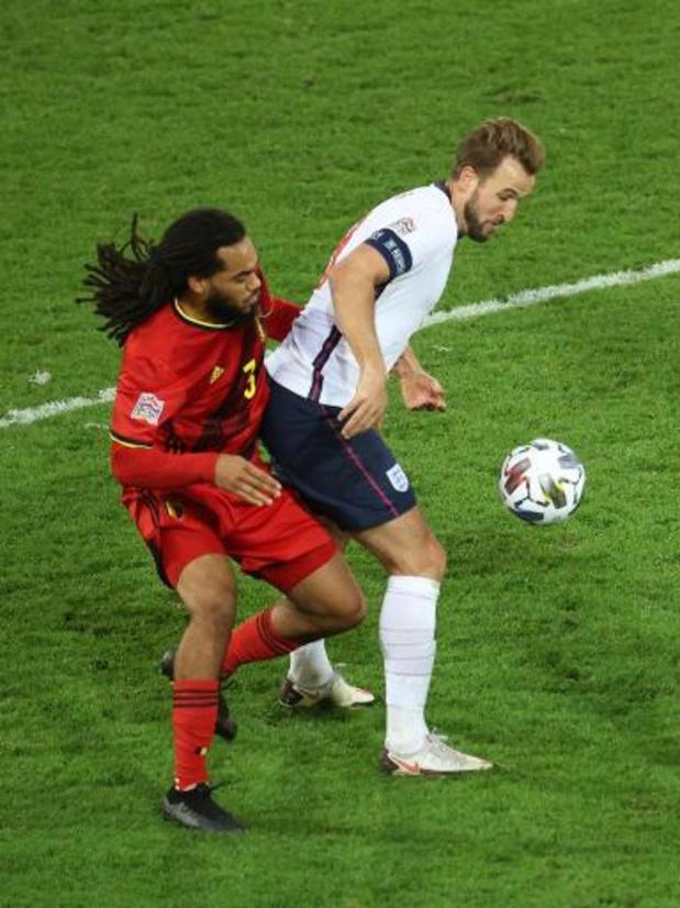 Belgen in het buitenland - Lyon, met Denayer, loopt in op koploper PSG na kleine zege bij Angers