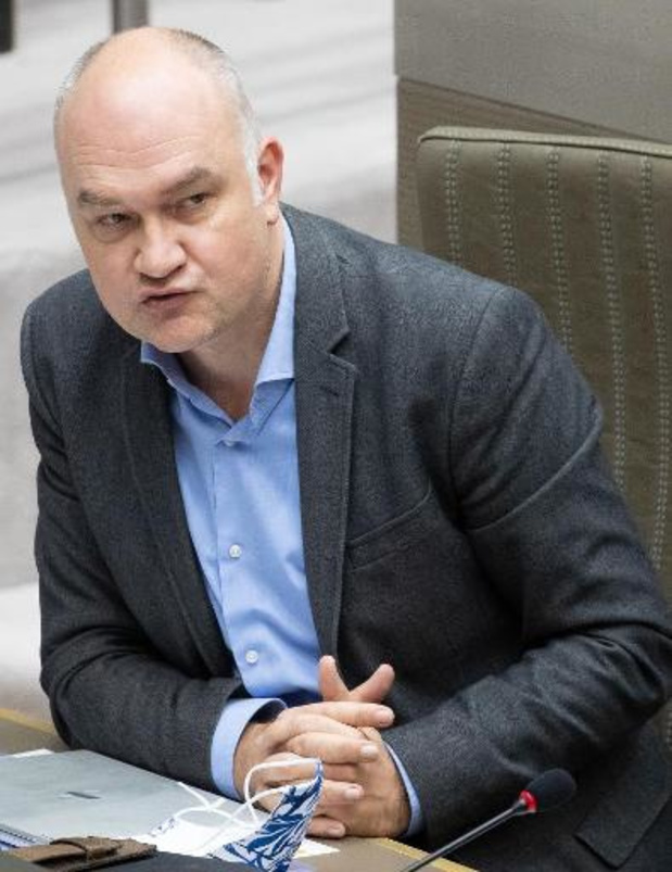 """Björn Rzoska: Vlaamse regering """"improviseert"""" en heeft """"geen plan van aanpak"""""""