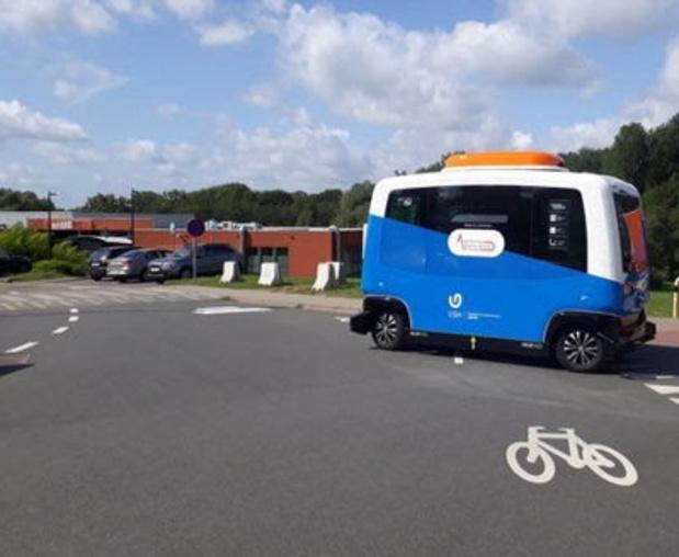 Onderzoekers gaan relatie tussen zelfrijdende shuttlebus en mens bestuderen op campus Jette