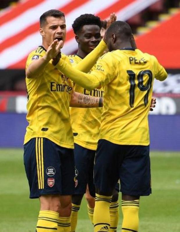 Arsenal plaatst zich als tweede voor de halve finales