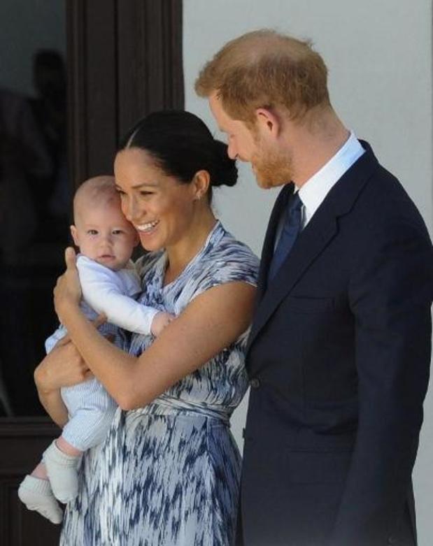 Britse prins Harry en Meghan Markle dagen tabloid voor de rechter