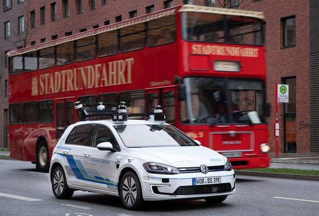 VW rijdt autonoom in Hamburg