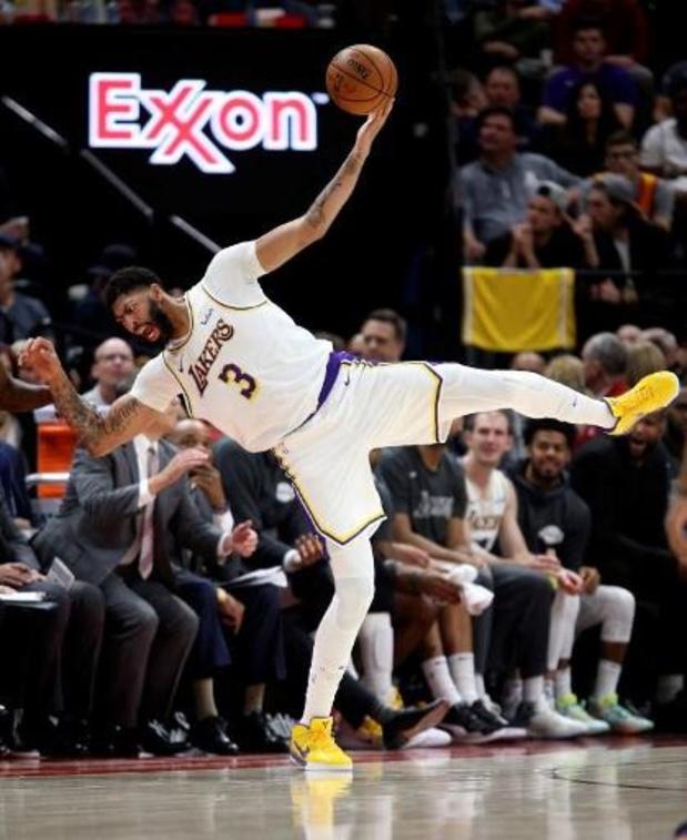 Les Lakers éteignent Luka Doncic et Dallas