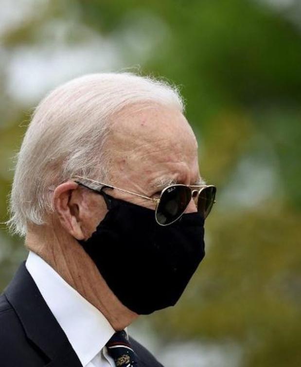 Presidentskandidaat Biden voor het eerst sinds 15 maart weer in het openbaar