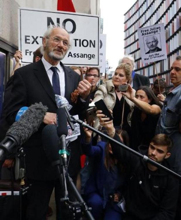 Honderdtal mensen betogen in Brussel uit solidariteit voor Julian Assange