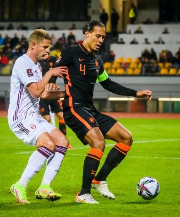 Kwal. WK 2022 - Noa Lang debuteert voor Oranje, dat moeizaam wint in Letland