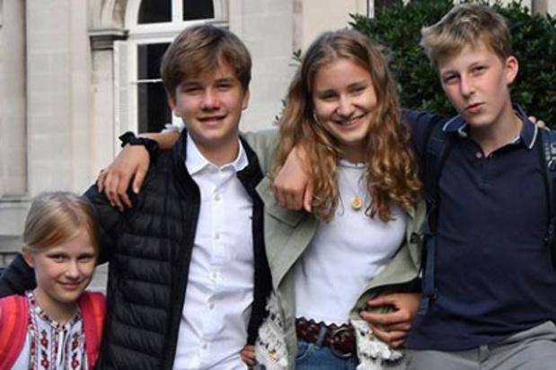 Les enfants royaux dans quatre écoles différentes