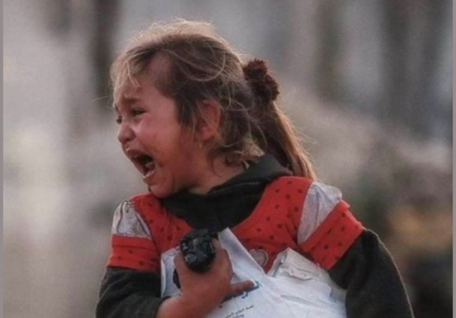 Factcheck: nee, dit is geen Afghaans meisje dat aan een bomaanslag is ontsnapt
