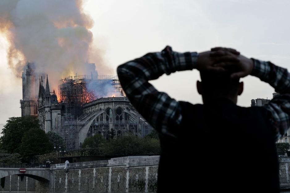 Notre-Dame de Paris défigurée par un incendie (en images)
