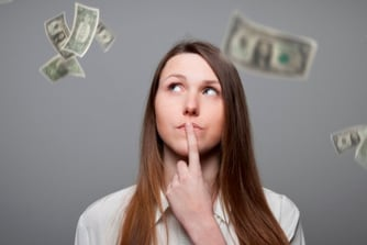 Mag een rekruteerder tijdens een sollicitatiegesprek vragen achter je bestaande loon ?