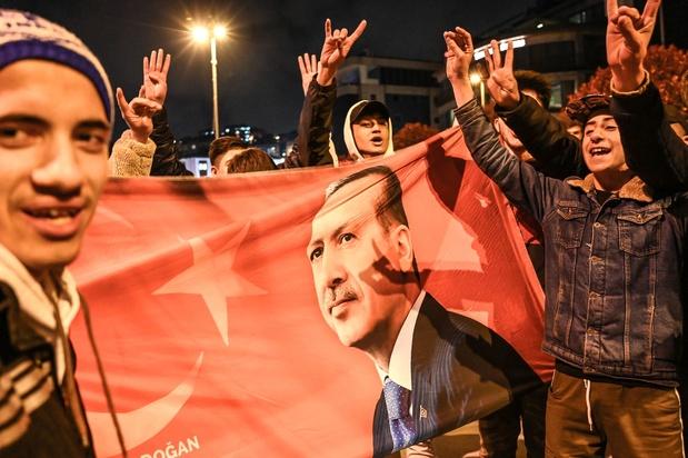 Elections en Turquie: défait à Ankara, le parti d'Erdogan s'accroche à Istanbul