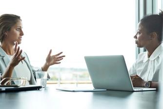 Kan je sneller bij je werkgever weg als je tijdelijk werkloos bent?