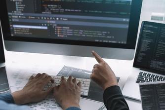 Meekijksoftware: gluurt je baas mee wanneer je thuis aan het werk bent?