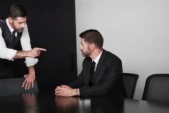 Drie vormelijke argumenten om een ontslag om een dringende reden aan te vechten