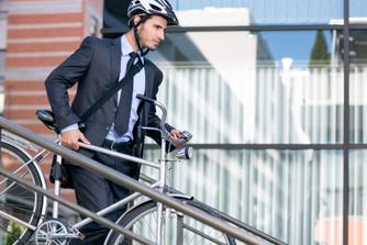 Naar het werk met auto én fiets