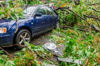 Wie betaalt de stormschade aan je bedrijfswagen?
