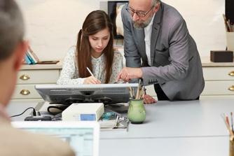 Mag een werkgever je onbetaald laten 'proefdraaien'?