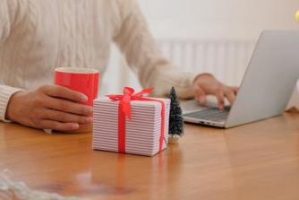 Moet je belastingen betalen op de kerstcadeaus die je van je werkgever krijgt?