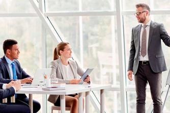 Kan je werkgever je je opleidingen laten terugbetalen als je ontslag neemt?