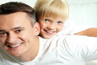 Ouderschapsverlof: hoe moedigen we de mannen aan?