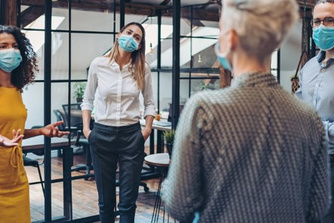 Kan je werkgever je verplichten om een mondmasker te dragen?