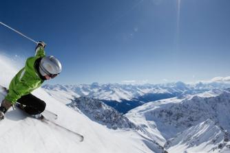 Kan je werkgever je verbieden om te gaan skiën?