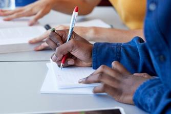 Omscholen tot een knelpuntberoep? Deze voordelen kunnen je helpen!