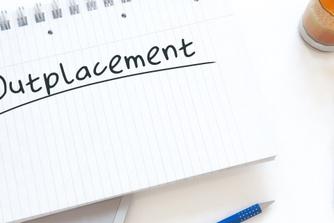 Kan je als 'jongere werknemer' bij een ontslag recht hebben op outplacement?
