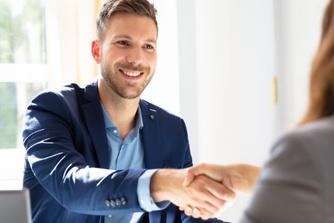 6 manieren om je toekomstige baas binnen de 5 minuten te overtuigen dat jij de witte raaf bent