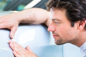 Zo kan je reageren als je ex-werkgever beweert dat je zijn bedrijfswagen beschadigde