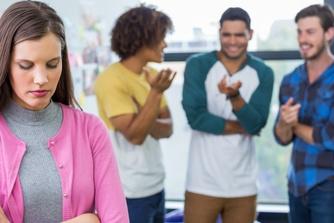 Pesten op het werk: zorg snel voor een oplossing