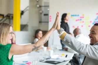 Waarom complimentjes op de werkvloer je productiever maken
