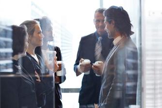 7 redenen waarom je koffie moet drinken op het werk
