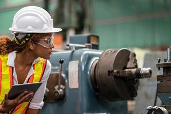 Kennis cruciaal voor industriële beroepen