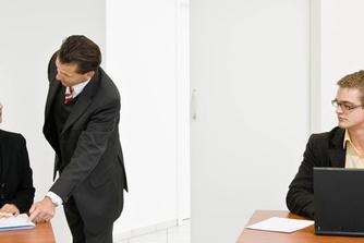 5 manieren om jaloezie op de werkvloer tegen te gaan