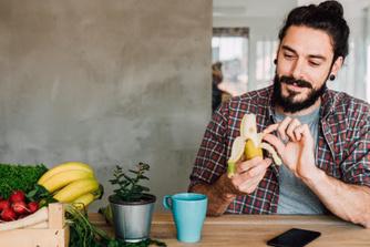 Waarom je altijd een banaan mee moet hebben op kantoor
