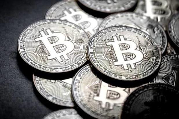 Bitcoin passeert grens van 10.000 dollar