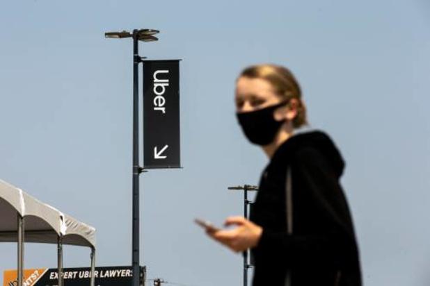 Uber gaat passagiers om 'mondmaskerselfie' vragen