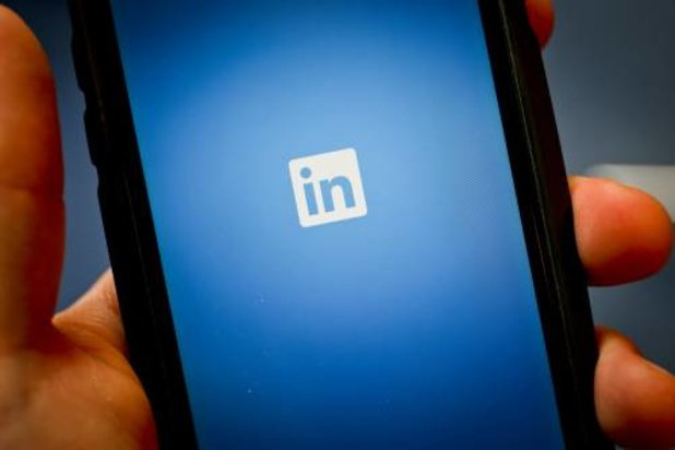 LinkedIn aangeklaagd voor meekijken op iPhone