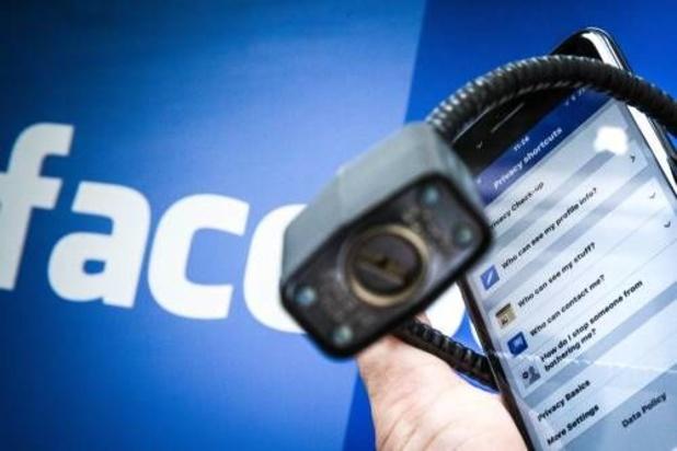 Privacytoezichthouder: dien klacht in tegen Facebook
