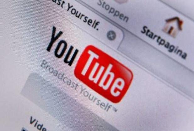 Voormalig YouTube-moderator klaagt bedrijf aan om PTSS
