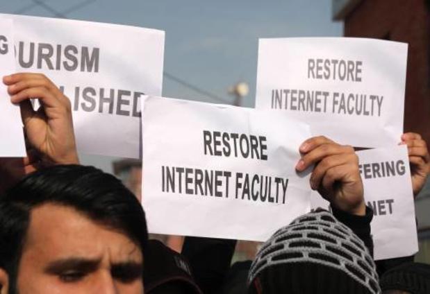 Hof India noemt afsluiten Kashmir van internet illegaal
