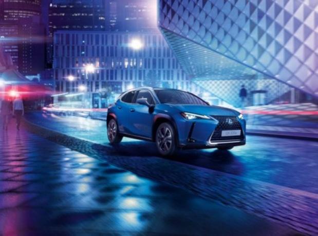 Le Lexus UX devient complètement électrique