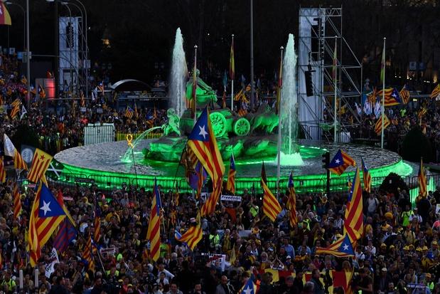 """""""Moins de bruit, plus d'écoute"""": des Catalans fatigués de la crise"""