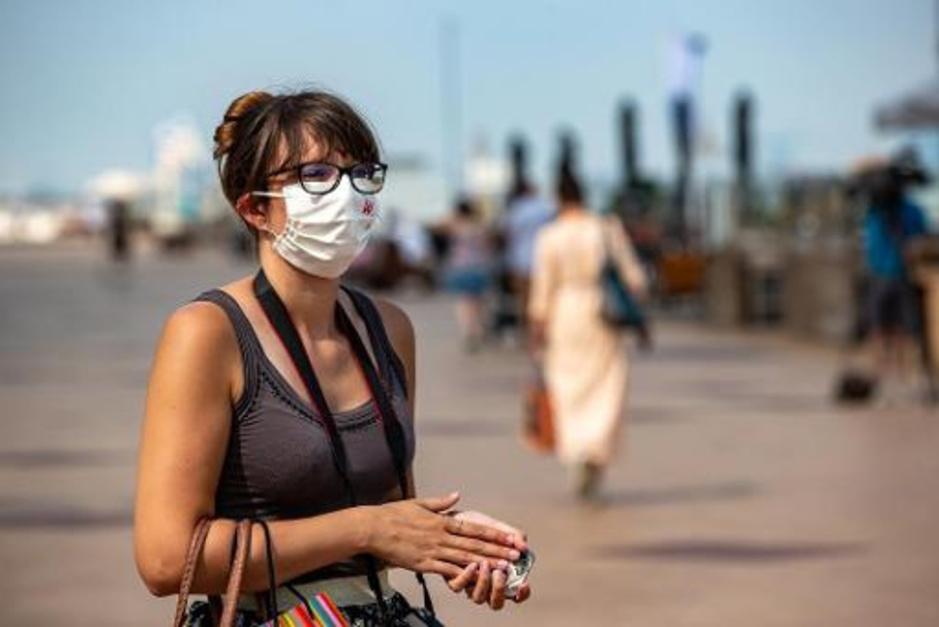 Factcheck: nee, mondmaskers veroorzaken geen zuurstoftekort en geen kanker
