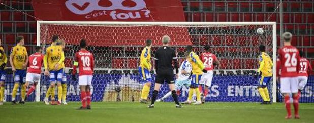 Jupiler Pro League - Standard de Mbaye Leye renoue avec la victoire, 3-1, face à Waasland-Beveren